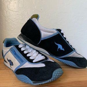 KangaROOS Ruby26 Retro Sneakers - size 7